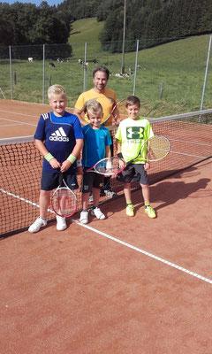 Die Tennisjungs mit Hansi