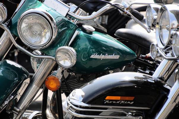 Harley and Oldtimers op v. Heekplein