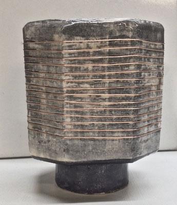 DADO vaso-elemento modulare in ceramica lavorata a mano