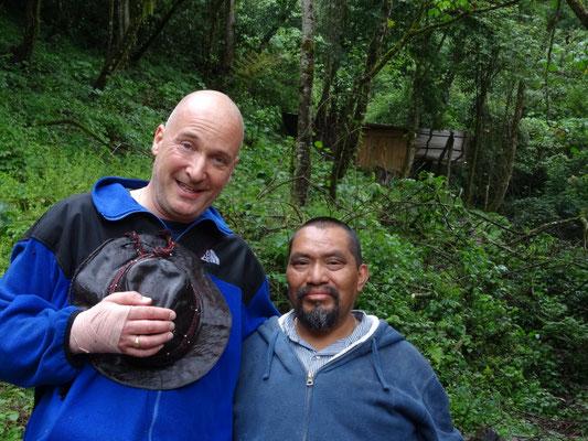 Besuch/visit/visita von/of/del Mayapriester/Mayan priest/sacerdote maya Don Lauro