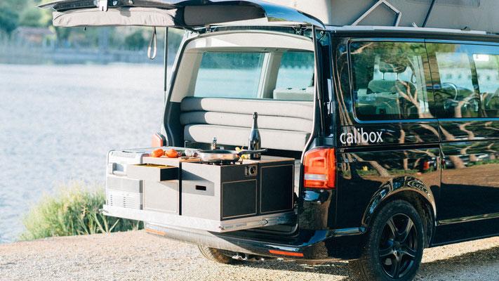 Heckküche mit unseren calibox Camping Modulen