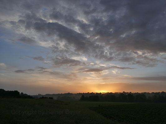 Sonnenaufgang südl. Landsberg am Lech / Lichtspiele 16