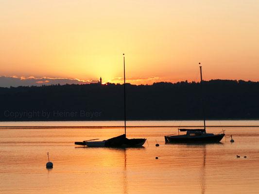 Sonnenaufgang hinter Kloster Andechs / Lichtspiele 17