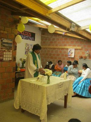 Schön, dass der neue Pfarrer wieder hinter Sartañani steht.