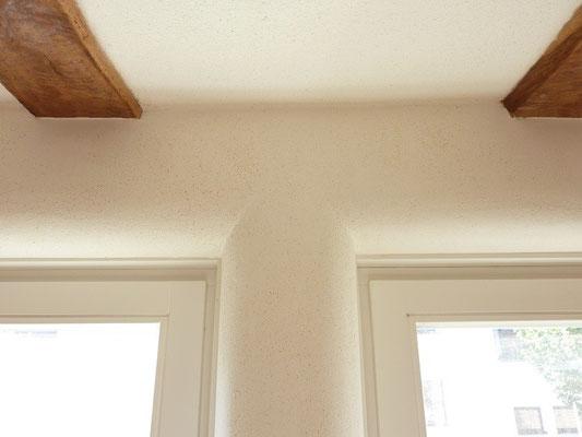 Fensterlaibung mit Lehmputz - runde Leibungen
