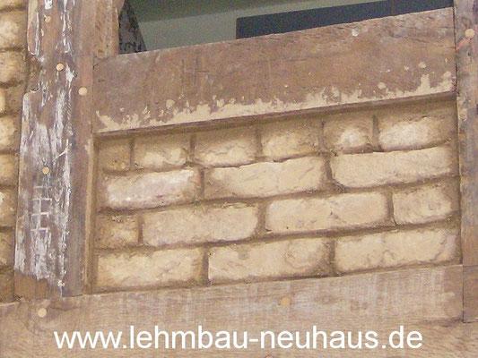 Ausfachung mit alten Lehmsteinen