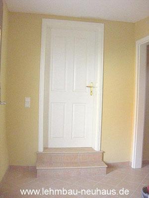 Stufen, Fliesen, Lehmputz, Lehmfarbe, Zimmertür - Eingang