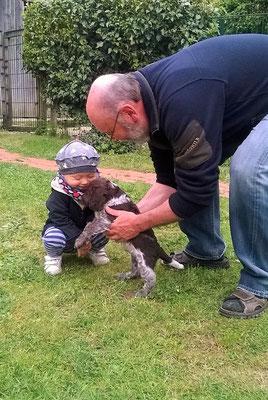 Der Opa mit den Kleinen