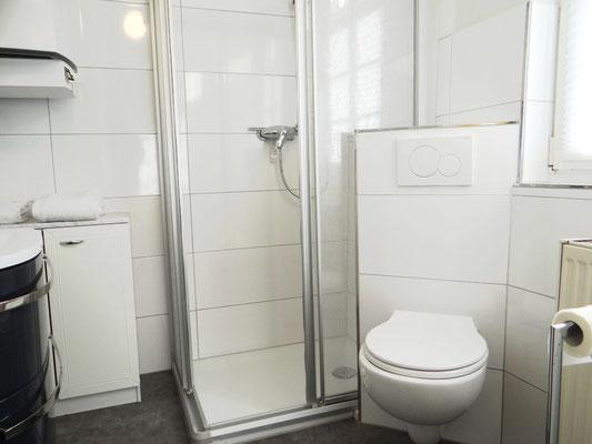 Modernes Badezimmer im Apartment Kleiner Markt.