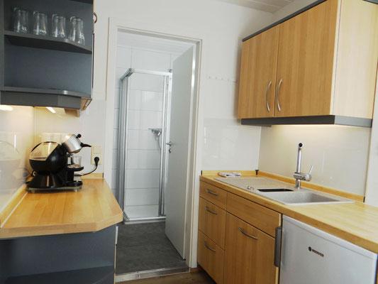 Küchenzeile im 1 Personen apartment kleiner Markt Heppenheim.