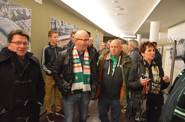 Auf dem Rundgang durch das Weserstadion