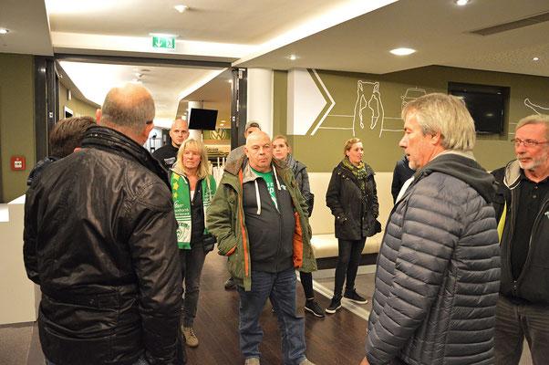 Stadionführung mit Dr. Hubert Hess-Grunewald 12.10.2016 / Bild 2