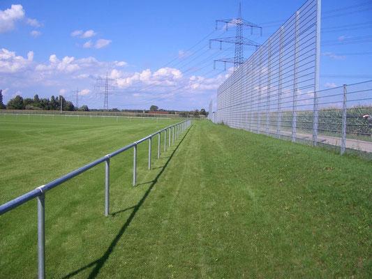 Zaun und Umrandung Fußball