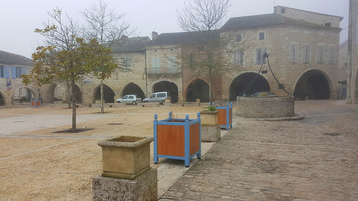 Marktplatz in Castelsagrat