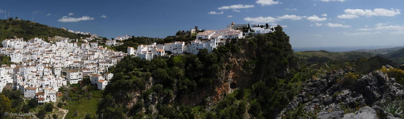 Weißes Dorf Casares in Andalusien, Spanien