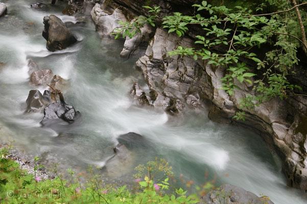 Tosendes Wasser in der Breitachklamm, Bayern