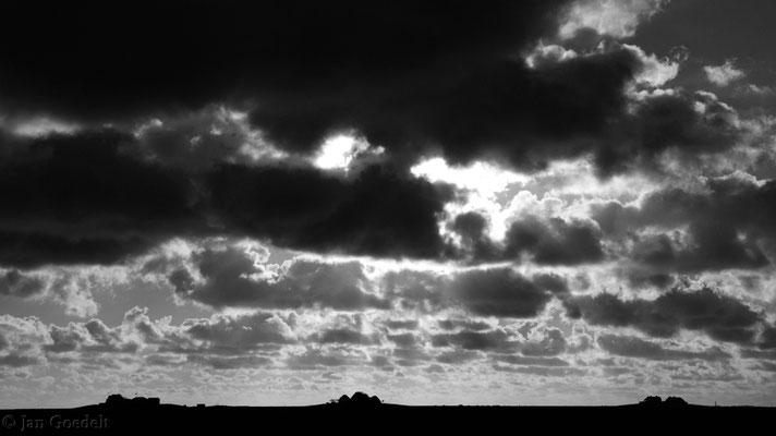 Drei-Hallig-Blick (schwarz-weiß)