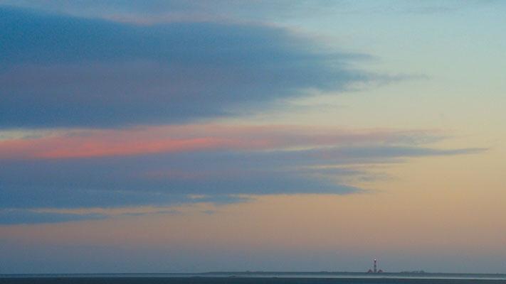 Wolkenfront vor dem Leuchtturm Westerhever