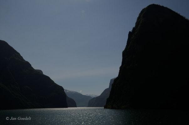 Sognefjord im Gegenlicht, Norwegen