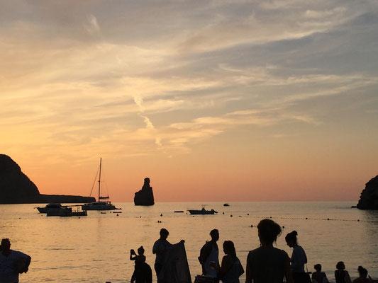 Sonnenuntergang zelebrieren beim Yoga Retreat Ibiza 2019