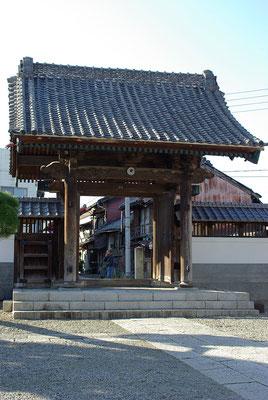 三級山近龍寺の山門:栃木市