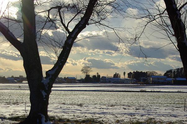 三光山慈眼寺境内から眺める冬景色
