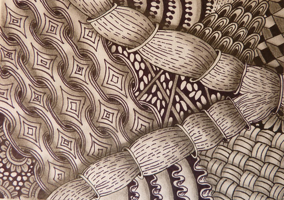 "August/September 2015 - ""Zentangle Postkarten Nr. 1"" - 15cm*10,5 cm - Maldauer: 7,30 Stunden"