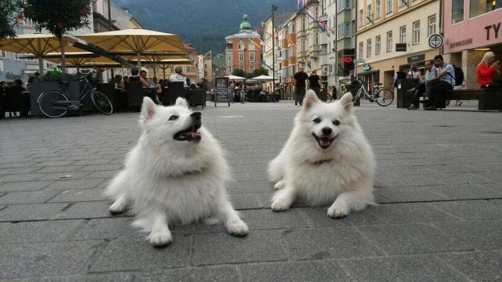 Aiko und Hana Innenstadt Innsbruck
