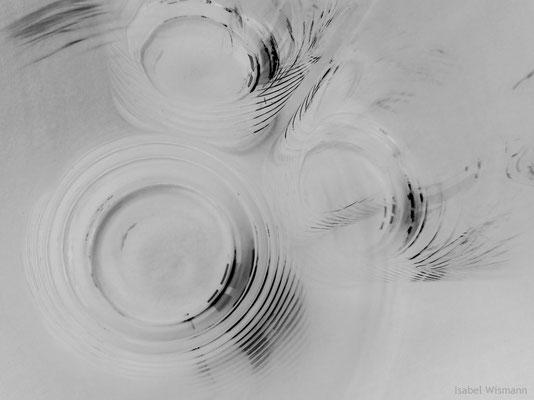 tief ins Glas geschaut (Fotografie, überarbeitet)