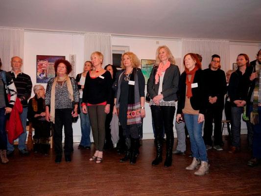 """Vernissage """"Frauen zwischen allen Stühlen"""" am 6.3.15 im Erdgeschoss der Mohr-Villa"""