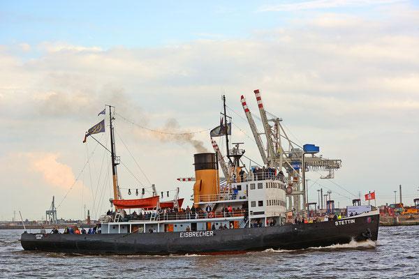 STETTIN zur Einlaufparade beim 826.Hamburger Hafengeburtstag am 08.05.2015