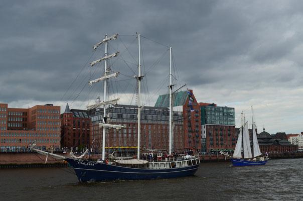 THALASSA zur Auslaufparade beim 823.Hamburger Hafengeburtstag am 13.05.2012