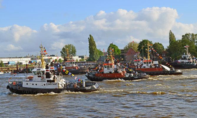 Schlepperballett zum Hamburger Hafengeburtstag 2012