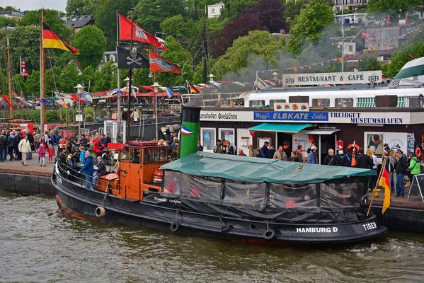 TIGER im Museumshafen Övelgönne zum 825.Hamburger Hafengeburtstag 201414