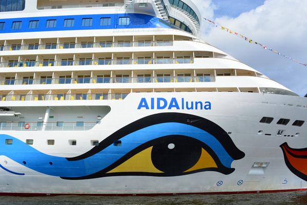 AIDAluna am HCC Altona am  10.08.2013