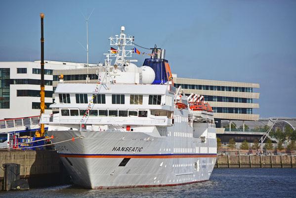 MS HANSEATIC am HCC HafenCity am 27.09.2014