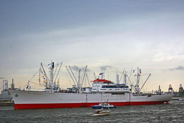 CAP SAN DIEGO zum 824.Hamburger Hafengeburtstag 2013