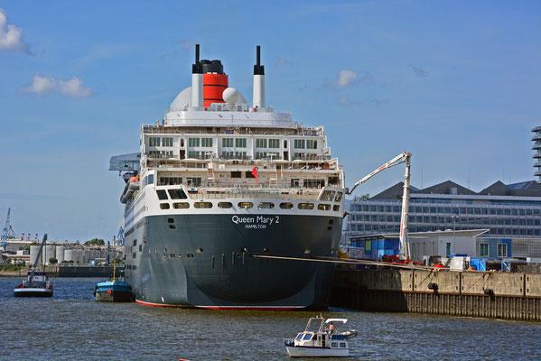 Queen Mary 2 am HCC Hafencity am 24.08.2013