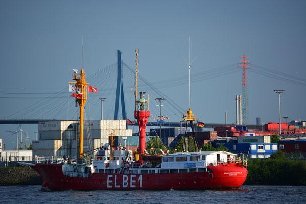 ELBE 1 im Hamburger Hafen am 31.05.2013