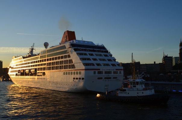 MS COLUMBUS 2 zu den Hamburg Cruse Days am 18.08.2012