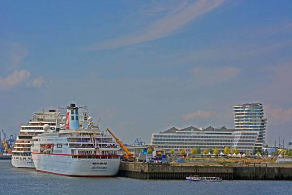 MS DEUTSCHLAND u. AIDAstella am HCC HafenCity am 02.08.2014
