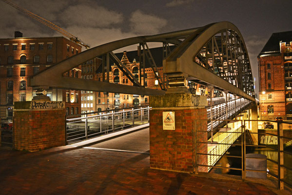 Kibbelstegbrücken in der Nacht