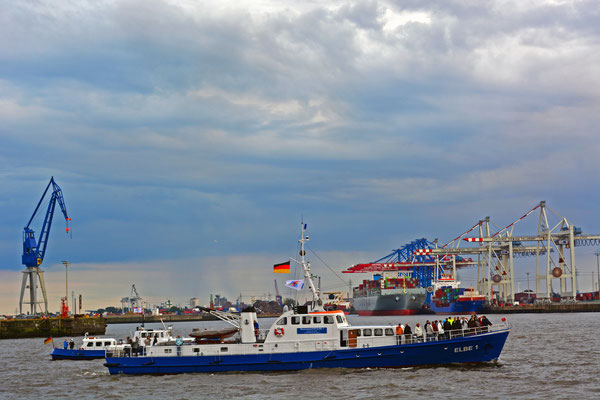 ELBE 1 zur Parade Hamburger Traditionsschiffe am 23.08.2014