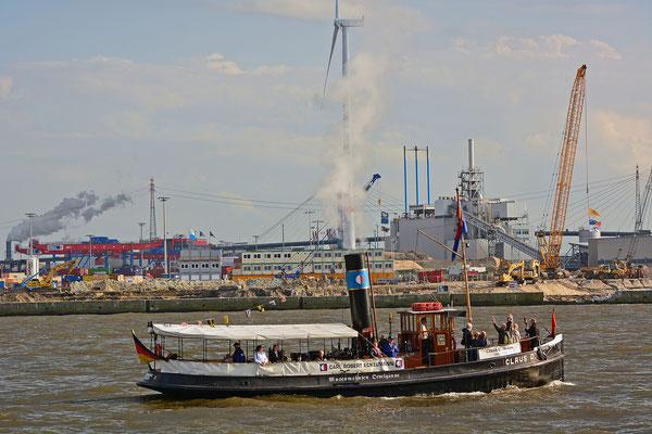 CLAUS D. zur Einlaufparade beim 826.Hamburger Hafengeburtstag am 08.05.2015