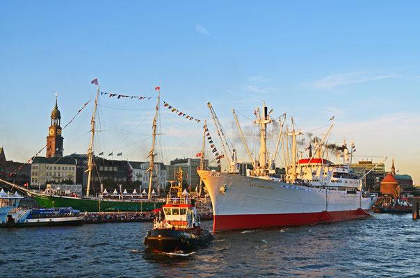 CAP SAN DIEGO zu den Hamburg Cruise Days 2012