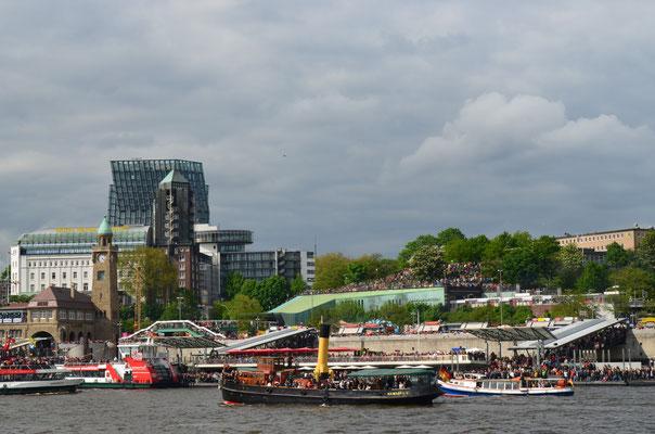ELBE bei der Auslaufparade zum 823.Hamburger Hafengeburtstag am 12.05.2012