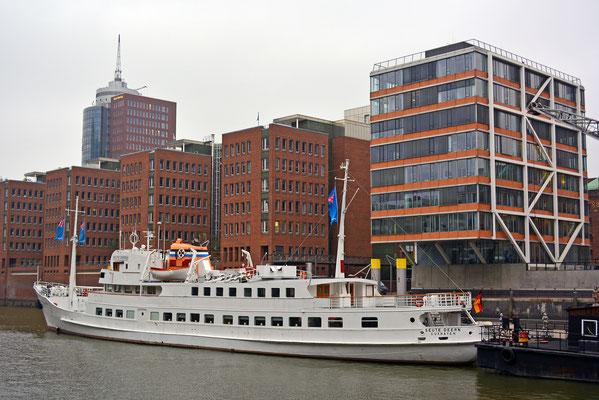 SEUTE DEERN im Tradiotionsschiff der HafenCity