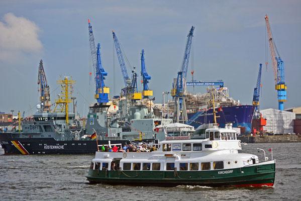 KIRCHDORF (Typschiff in der HADAG-Flotte) zum 824.Hamburger Hafengeburtstag 2013