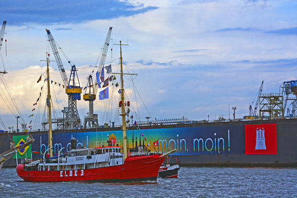 ELBE 3 zur Parade Hamburger Traditionsschiffe am 23.08.2014