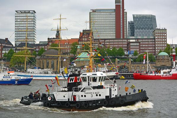 CUXHAVEN zum 828.Hamburger Hafengeburtstag
